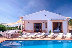 Charming Traditional 6 Bedroom Villa