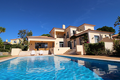 Charming villa in Gated Community, near Vale do Lobo