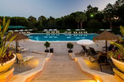 Vilar do Golf Facilities Swimming Pool Bar 2