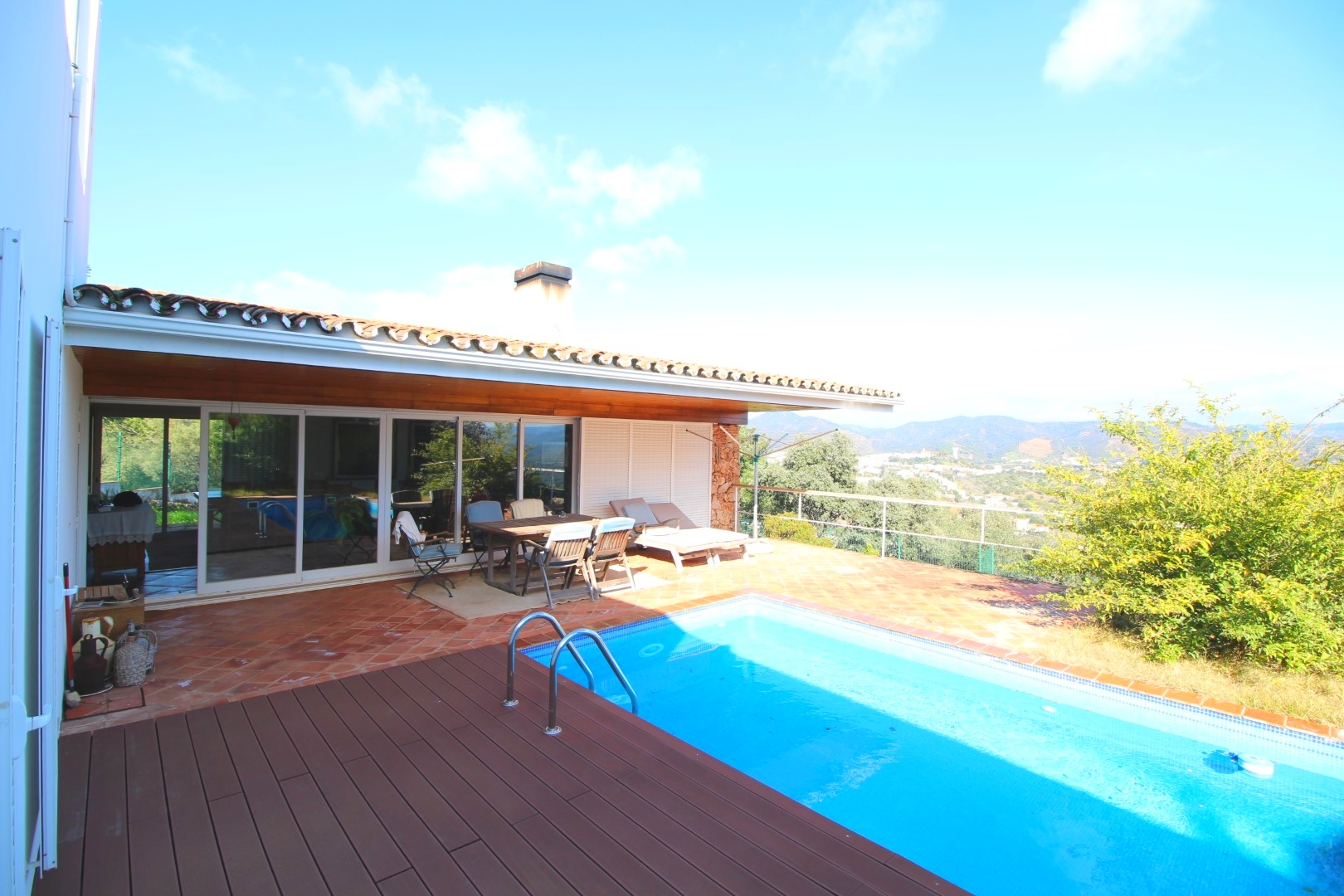 Designer Villa with Extensive Views of Algarve Hills – 30 mins to Faro Airport