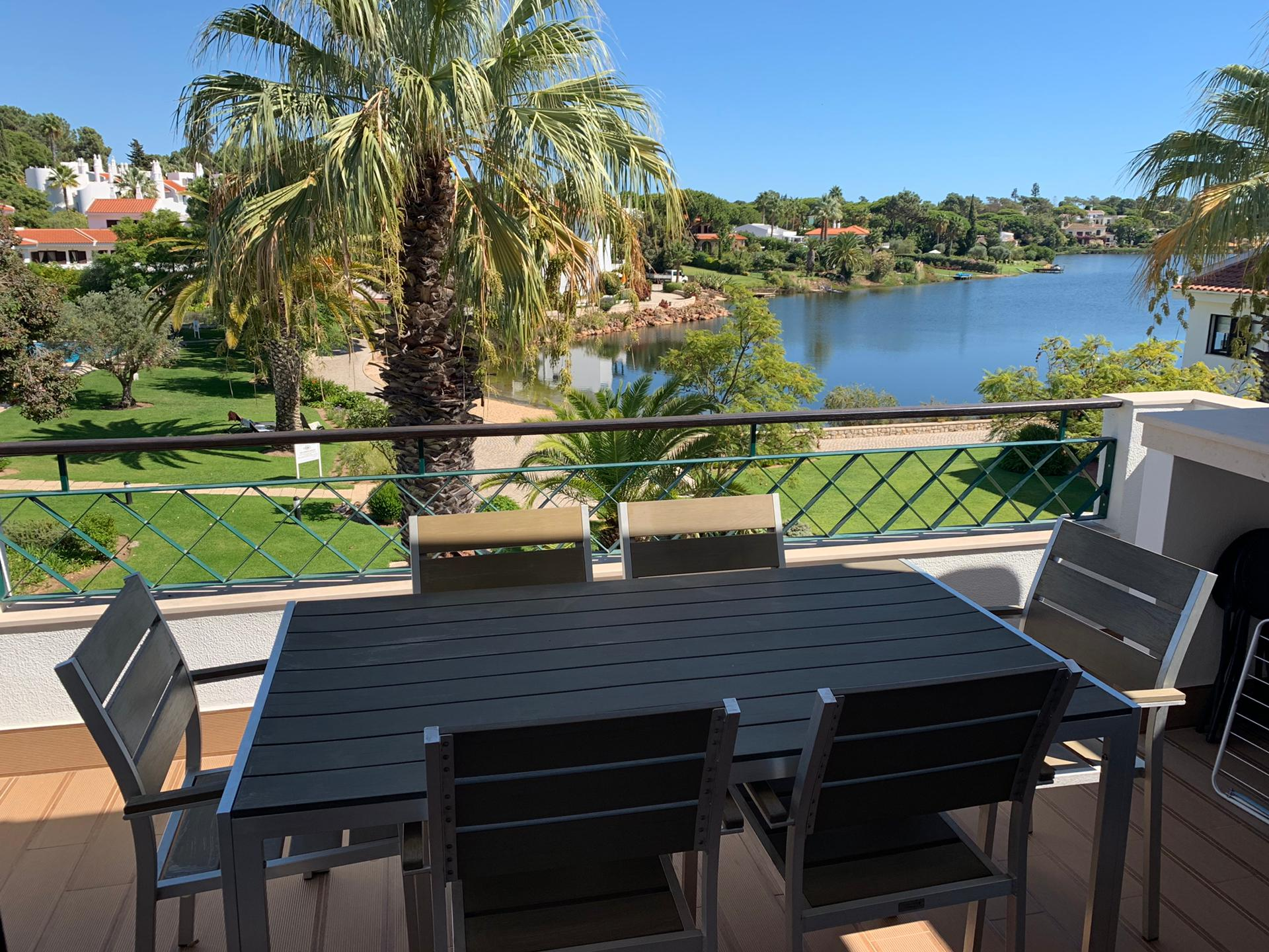 Long Term Rental Luxury T2 Apartment on the Lake of Quinta do Lago