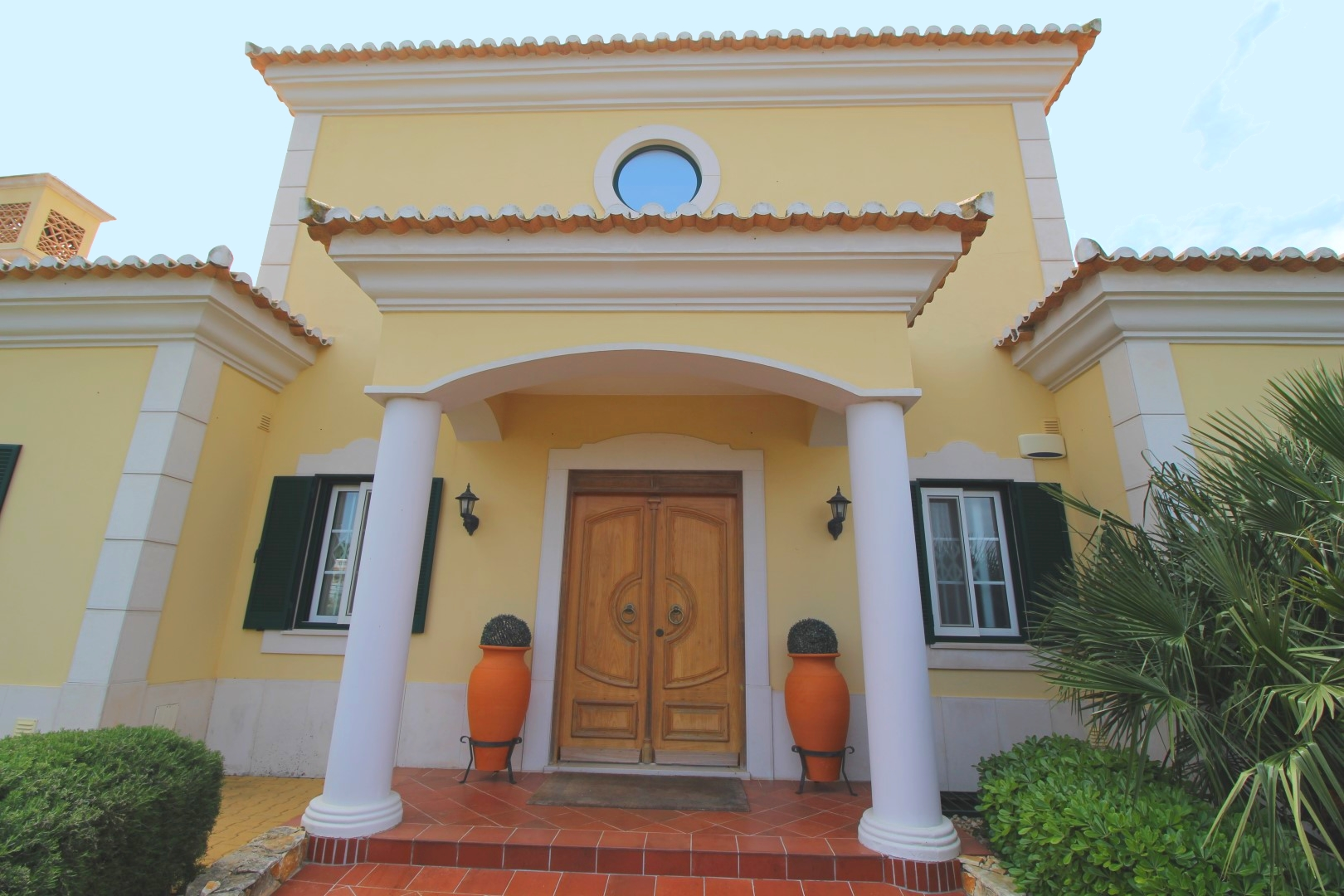 Long Term Rental – 4 Bedroom Villa with pool on one level, Near The Crest, Almancil